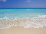 White sand beach in Cancun Metal Print by Mike Theiss