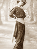 Women's Fashion in 1902 Metal Print by  Scherl