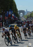 Le Tour De France (Champs-Élysées) Sports Photo Poster Masterprint
