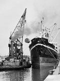Glasgow's River, Loading on the Clyde for Africa, 1955 Fotografisk trykk