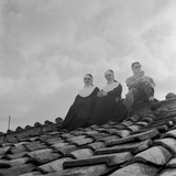 People on a Rooftop Awaiting the Coronation of Pope John XXIII, Vatican City, 4th November 1958 Fotografisk tryk