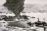 Aerial View of Battleship Row, Pearl Harbor, 7th December, 1941 Stampa fotografica di  Japanese Photographer