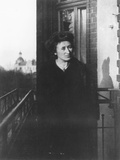 Rosa Luxemburg on a Balcony, 1910 Impressão fotográfica por  German photographer