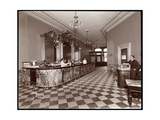 Bar at Gilsey House, Broadway and 29th Street, New York, 1900 or 1901 Giclee Print by  Byron Company