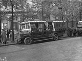 Bus Madeleine-Republique, Paris, May 1915 Photographic Print by Jacques Moreau