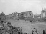 Jacques Moreau - Ruins of Peronne, Somme, 1917 Fotografická reprodukce