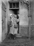 Jacques Moreau - Soldier on Leave Arriving at Home, 1915 Fotografická reprodukce