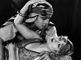 The Son of the Sheik De George Fitzmaurice Avec Vilma Banky, Rudolph Valentino, 1926 Photographic Print
