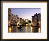 Most Rialto, Grand Canal, Wenecja, Włochy Oprawiona reprodukcja zdjęcia autor Alan Copson