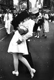 Kissing On VJ Day (War's End Kiss) Plastic Sign Plastikskilte