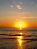 Sunrise Over the Sea Reproduction photographique par Green Light Collection