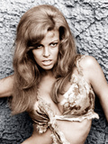 ONE MILLION YEARS, B.C., Raquel Welch, 1966. Photo
