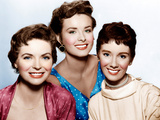 THREE COINS IN THE FOUNTAIN, from left: Dorothy McGuire, Jean Peters, Maggie McNamara, 1954. Plakater
