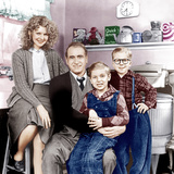 A CHRISTMAS STORY, from left: Melinda Dillon, Darren McGavin, Ian Petrella, Peter Billingsley, 1983 Photo