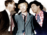 A NIGHT AT THE OPERA, from left: Groucho Marx, Harpo Marx, Chico Marx, 1935 Fotografía