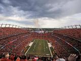 Broncos Football: Sports Authority Field Photo av Brennan Linsley