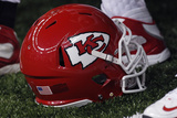 Chiefs Football: Kansas City Chiefs Helmet Plakater av Jonathan Bachman