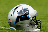 Panthers Football: Carolina Panthers Helmet Photo av Mike McCarn