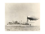 USS Shenandoah Airship And Tender Impression giclée par Miriam and Ira Wallach