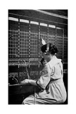 Telephone Switchboard Operator, 1914 Lámina giclée por Science Photo Library
