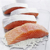 Flouring Salmon Fillets Fotoprint van David Munns