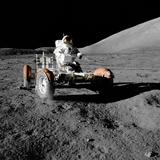 Eugene Cernan on Lunar Rover, Apollo 17 Papier Photo par  NASA