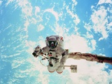 Spacewalk During Shuttle Mission STS-69 Reproduction photographique