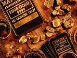 Nuggets, Bars And Coins Made of Gold Fotografisk tryk af David Nunuk