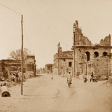The Cawnpore Road, Lucknow Photographic Print by Felice Beato