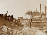 The Battery Near the Begum Kotee, Lucknow Photographic Print by Felice Beato