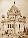 The Tower of the Wife of Sadaat Ally in the Kaiser Bagh Palace, Lucknow Photographic Print by Felice Beato