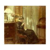 En kvinna syr i en interiör Gicleetryck av Carl Holsoe