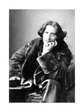 Oscar Wilde in His Favourite Coat, 1882 Giclee Print by Napoleon Sarony