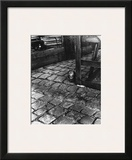 Dans la Cours, 255 Avenue Alesia, c.1947 Print by  Izis