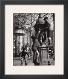 Fontaine Wallace Posters by Robert Doisneau