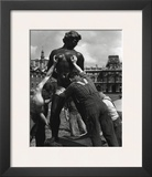 Venus Grabbed by the Throat, 1964 Prints by Robert Doisneau