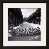 Children in the Palais-Royal Garden, c.1950 Print by Robert Doisneau