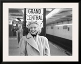 Marilyn in Grand Central Station Art by Ed Feingersh