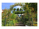 Garden with Country House in the Urban District of Blankenese, Hamburg, Germany Premium Giclee Print