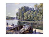 Huts on the Edge of the Canal du Loing with Sun Shining Giclee Print by Alfred		 Sisley
