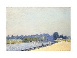 The Road to Hampton Court Giclee Print by Alfred		 Sisley