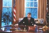 President Ronald Reagan in Oval Office Plastic Sign - Plastik Tabelalar