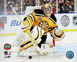 Tim Thomas 2010 NHL Winter Classic Photo