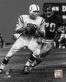 Johnny Unitas - Passing Action (B&W) Photo