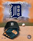 Detroit Tigers - '05 Logo / Cap and Glove Photo