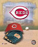 Cincinnati Reds - '05 Logo / Cap and Glove Photo