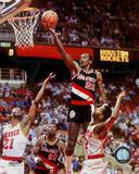 Clyde Drexler - Rim action Photo