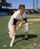 Brooks Robinson - Posed kneeling with bat Photo