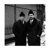 Gino Cervi and Fernandel Looking Far in Don Camillo in Moscow Premium fotografisk trykk av Marisa Rastellini