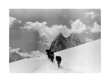 The Expedition for the Conquest of K2 Marching To the Top Lámina fotográfica